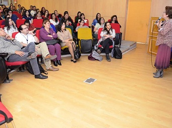 Neurosiquiatra infantil lo dice en Iquique: Primeros 6 años son claves para el desarrollo de una persona
