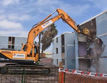 Para construir nuevo conjunto anti sísmico, se inició demolición de conjunto Las Quintas I