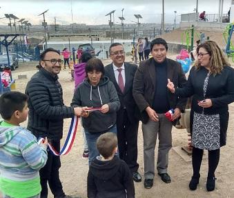 Entregan juegos para primera infancia en plaza Emprendedores del Desierto en El Boro