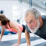 Actividad física en adultos mayores ayuda a prevenir el Alzheimer. Seis meses de un programa de acondicionamiento mejora función cognitiva