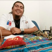 Curandero aymara entrega a usuarios de atención primaria de salud en Alto Hospicio, medicina complementaria