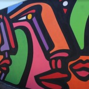 "Multiculturalidad e Integración, conceptos incorporados en mural artístico del escenógrafo Alejandro ""Mono"" González"