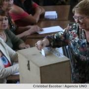 Presidenta Bachelet reconoce error al implementar voto voluntario y señala que se debe discutir