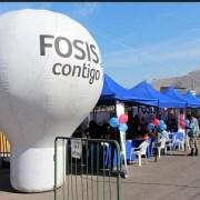 En Territorio Cerro La Cruz, FOSIS atiende inquietudes de los vecinos y ofrece diversos servicios