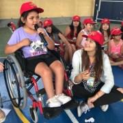 En Iquique, las vacaciones inclusivas permitieron que más de 50 niños y niñas aprendieran sobre instrumentos musicales, baile y canto.