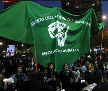 INDH presenta denuncia por mujeres apuñaladas en marcha feminista realizada en Santiago