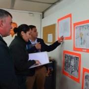 """Fomento a la lectura: Internas del penal de Iquique crearon portada para ilustrar libro """"Quiltras"""""""