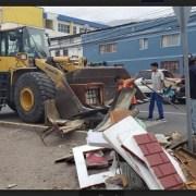 Recambio de luminarias y operativo de limpieza Barrio El Colorado, realizó Municipio de Iquique, dentro del programa del FOSIS, Más Territorio