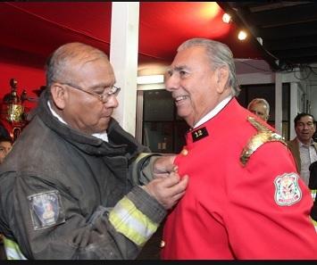 Senador Jorge Soria se reintegra como bombero voluntario, a la histórica Bomba N° 12, de Iquique