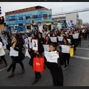 """""""No hay justicia, no hay verdad, solamente impunidad"""", proclama de feministas al marchar por mujeres víctimas de la dictadura"""