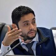 CORE José Miguel Carvajal acusa intento legislativo de Diputado Trisotti para retrasar elecciones de gobernadores regionales