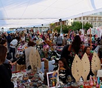 """Feria Municipal """"Boulevard Plaza Prat"""" refuerza para este 21 de mayo, oferta de artesanías, servicios y gastrnomía"""