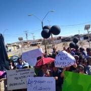 Pobladores del Barrio de Emergencia de Pozo Almonte, insisten en pedir la renuncia del Gobernador Luis Tobar