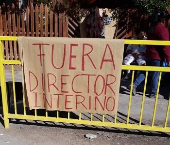 Apoderados se toman Liceo de Huara, acusan al alcalde de incumplimiento y piden renuncia del Director Interino del establecimiento