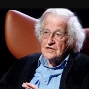 Noam Chomsky dispara sin recelos: «Las quemas en la Amazonía son un crimen de lesa humanidad»