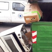 Municipalidad desplegó operativo de emergencia:  En diversos sectores sacaron basura pese a aviso de no hacerlo