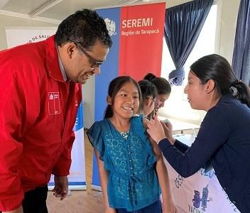 Masiva vacunación a niños y niñas de Tarapacá, contra el virus del Papiloma Humano, que inmuniza contra cáncer e infecciones genitales