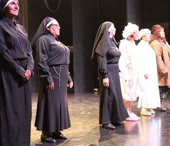 """Teatro Aquelarre presenta su obra """"Cuadros de Amor y Humor al Fresco en Sala Veteranos del 79"""