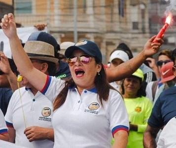 Trabajadores a honorarios de Municipalidad de Alto Hospicio inician paro de 72 horas y llaman a Cabildo Regional de sus pares en Tarapacá