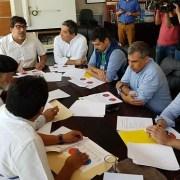 Alcalde Mauricio Soria parte de los jefes comunales reunidos en comuna de Recoleta, para entregar los resultados de los cabildos Ciudadanos