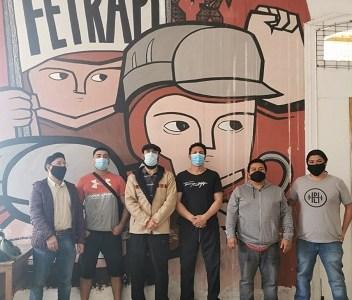 """Trabajadores portuarios cuentan con respaldo nacional e internacional. Anuncian que """"no bajarán los brazos"""""""