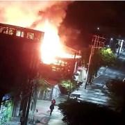 Incendio destruyó 6 casas en casco histórico de Iquique, Gorostiaga con Obispo Labbé