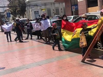 Gobierno de Chile sólo autorizó a bolivianos residentes en Santiago, para que voten en elecciones de Bolivia.