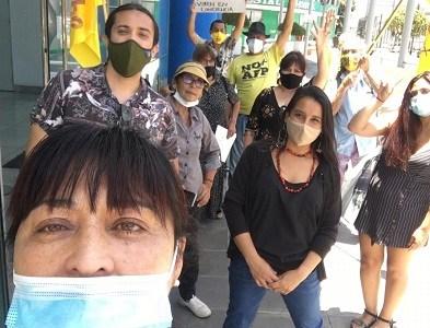 """Odette López, vocera de No + AFP, inscribió su candidatura a la CC: """"Queremos un país donde la seguridad social sea una base digna"""""""