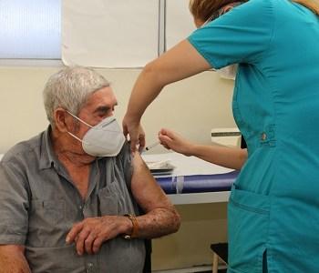 En el primer día de vacunación contra el Covid-19, Salud Municipal de Iquique inoculó a más de mil personas