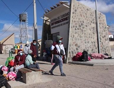 Migrante fue trasladada desde Colchane a Hospital de Iquique por Covid-19. Otra familia reporta extravió de uno de sus integrantes