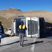 Volcamiento de camión en Colchane deja a un bebé herido. Se encuentra fuera de peligro