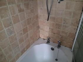 Edinburgh bathroom before grout refresh