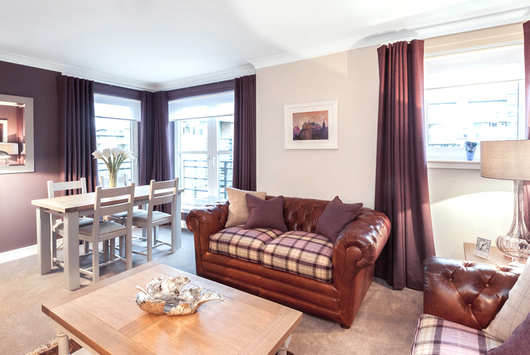 Two Boutique Holiday Edinburgh apartments Royal Mile a few minutes walk - sleeps 4