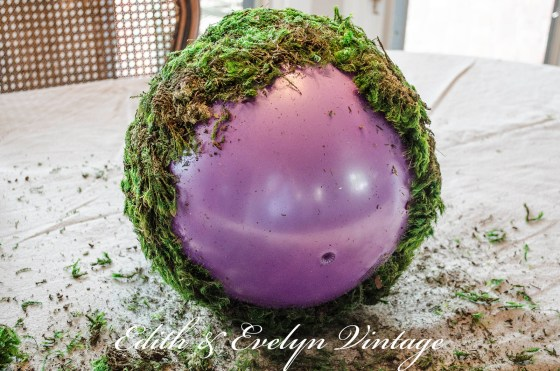 Create Your Own Moss Balls | Edith & Evelyn | www.edithandevelynvintage.com