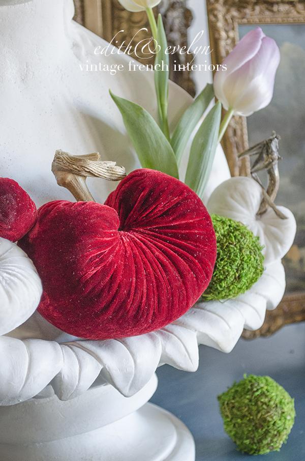 Velvet Hearts | Edith & Evelyn Vintage | www.edithandevelynvintage.com