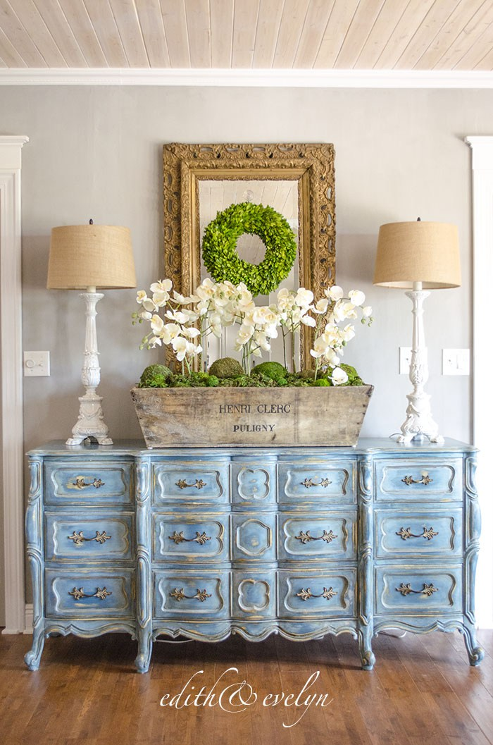 A Blue Provincial Dresser | Edith & Evelyn | www.edithandevelynvintage.com