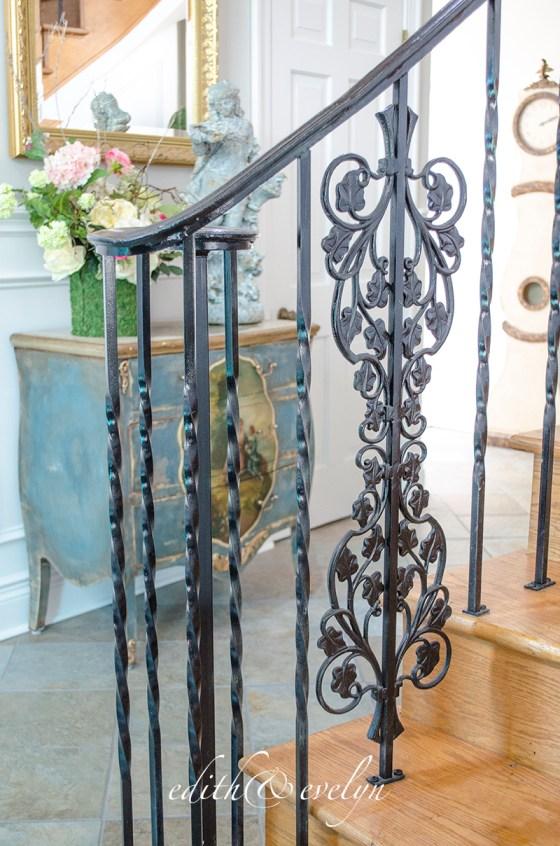 The Grand Foyer | A Transformation | www.edithandevelynvintage.com