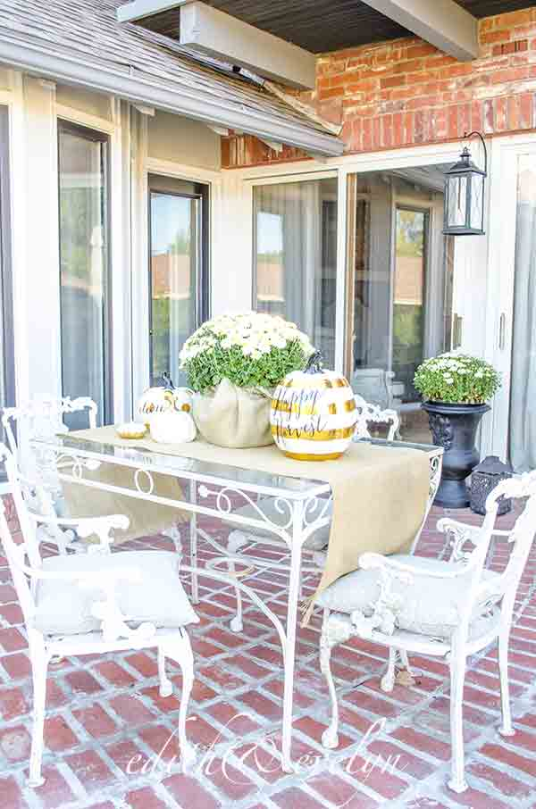 Fall on the Patio | Edith & Evelyn Vintage | www.edithandevelynvintage.com