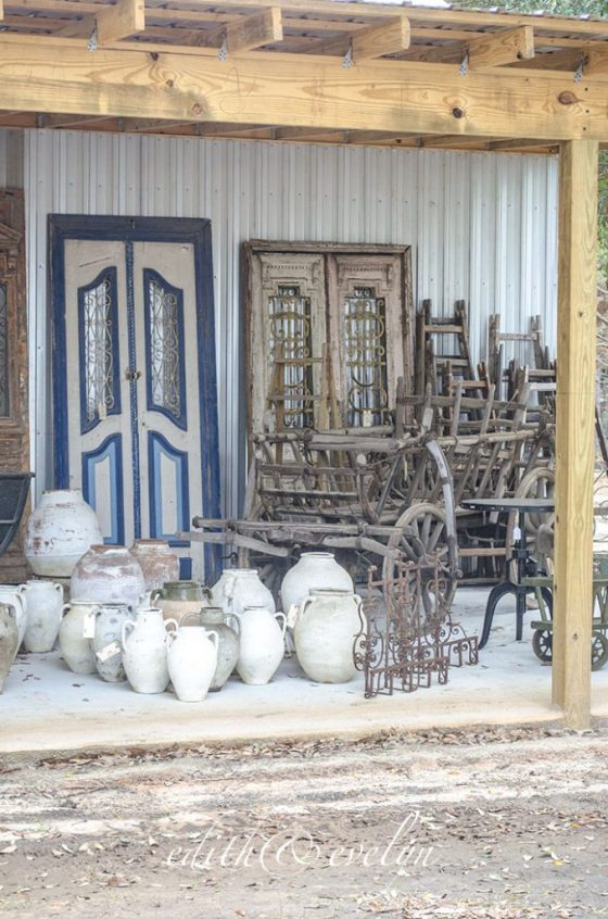 My Favorite Antiquing Spot | Edith & Evelyn Vintage | www.edithandevelynvintage.com
