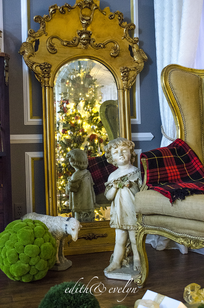 Christmas After Dark with Tree Classics | Edith & Evelyn | www.edithandevelynvintage.com