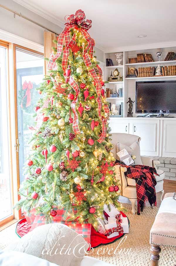A Family Room Christmas | Edith & Evelyn | www.edithandevelynvintage.com