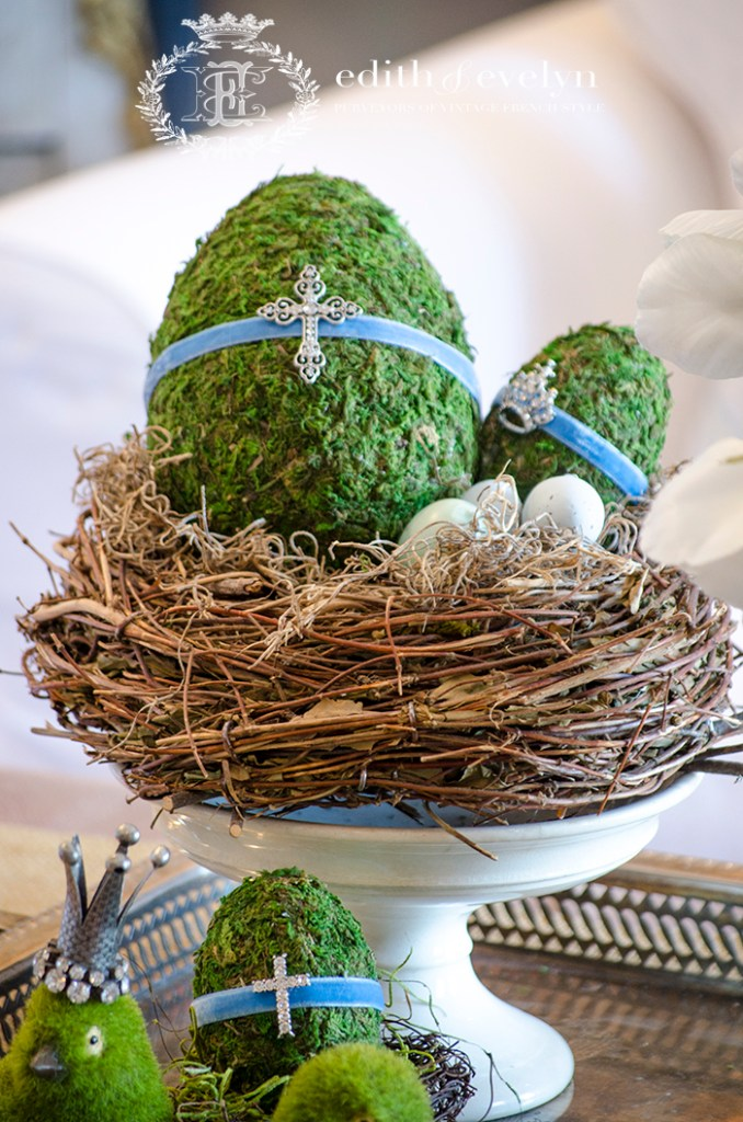 DIY Moss Easter Eggs | Edith & Evelyn | www. edithandevelynvintage.com