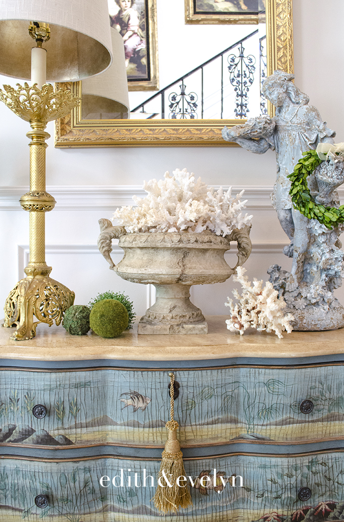 Summer Decorating with Coral and Shells | Edith & Evelyn | www.edithandevelynvintage.com