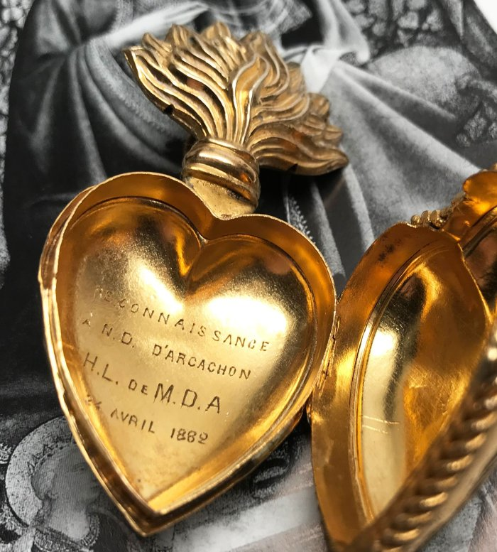 The Allure of Sacred Hearts | Edith & Evelyn | www.edithandevelynvintage.com