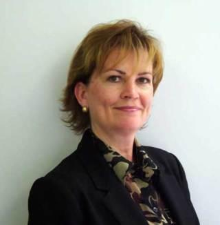 Lynnie WALKER