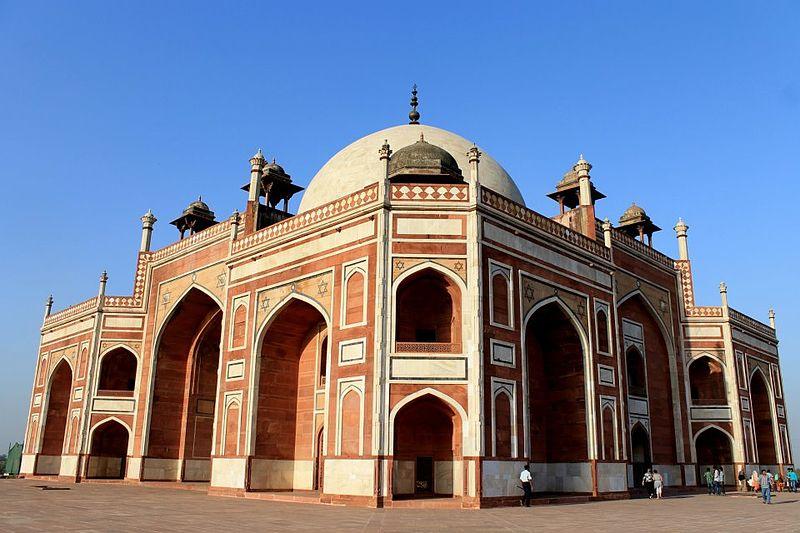 800px-Humayun_tomb_New_delhi.jpg