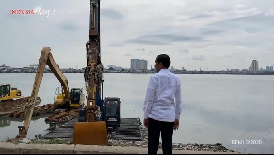 Oalahh Pompa Air Raksasa Ada yang Mati Makanya Banjir......