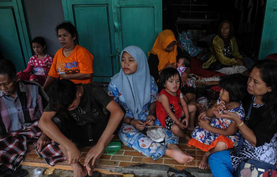 desa,terisolir,meninggal dunia,banjir bandang,Lebak Banten