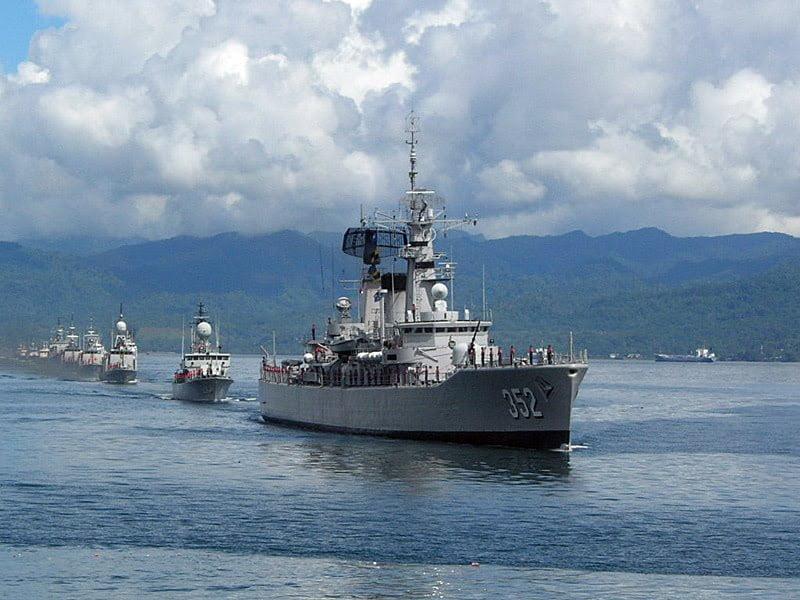 angkatan laut,tentara nasional indonesia,militer indonesia,konflik natuna,tni al,kapal perang indonesia