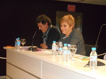 "Teresa Soriano Oms presentando su primera novela ""Una cuna para Samir"""